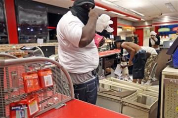 missouri-teen-shooting-looting-08102014