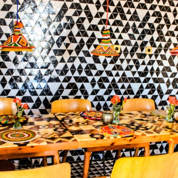 Don't be afraid of pattern - dining room inspiration. http://salutmaroc.com
