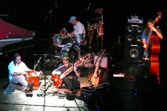 2009, Acustico planante