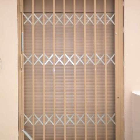Πόρτα με Κάγκελα Ασφαλείας στη Ν. Πεντέλη