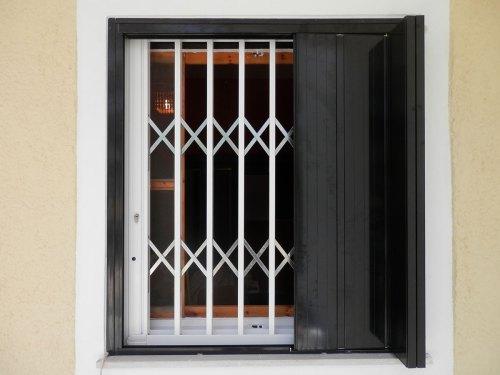 Παντζούρι ασφαλείας παραδοσιακού τύπου – Τ110