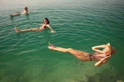 Entspannung im Toten Meer