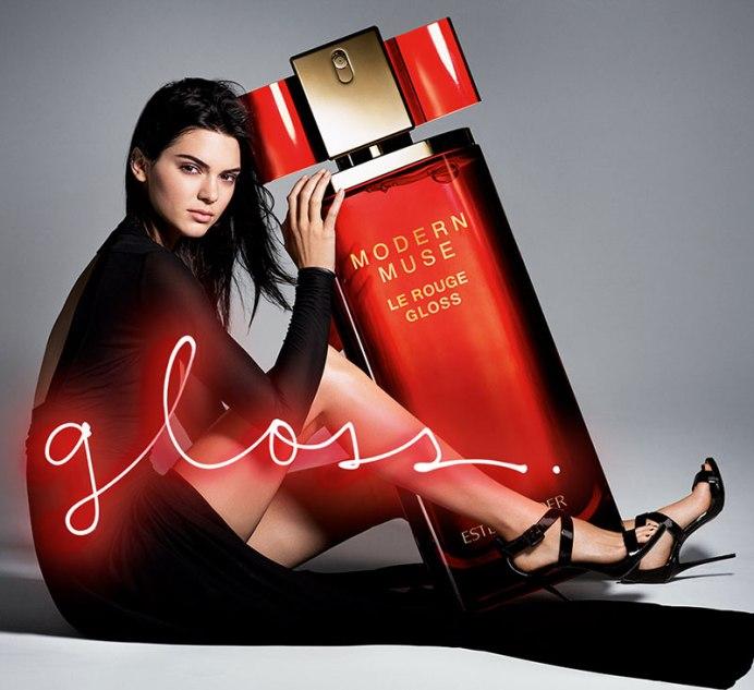 """Fashion Star Kendall Jenner präsentiert den sinnlich-feminen Duft """"Modern Muse Le Rouge Gloss"""""""