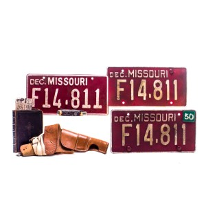 Fargo Rabbi Milligan Ben Whishaw Screen Used Holster Book Knive & License Plate Ss 4