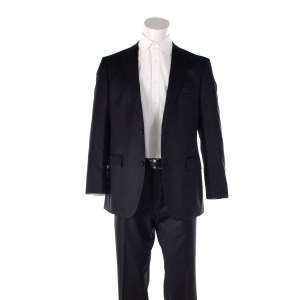 Lot #20 – Banshee (2013-2016) Kai Proctor Ulrich Thomsen Production Used Suit Shirt & Belt