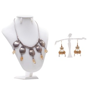Lot #193 – Vikings Queen Aslaug Alyssa Sutherland Screen Worn Earrings & Necklace Ep 303 & 407
