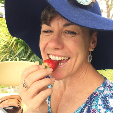 strawberry-eating-bodalla