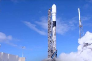 Apple's satellite project won't rival SpaceX's Starlink anytime soon
