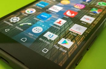 Researchers find 17 Google Play apps that bombard users with battery-draining ads