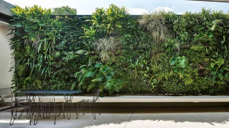 Beautiful Vertical Garden Decor Ideas