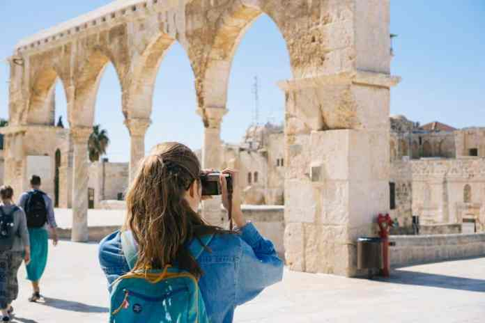 traveling abroad tips and tricks