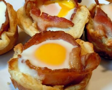 bacon and egg breakfast muffin