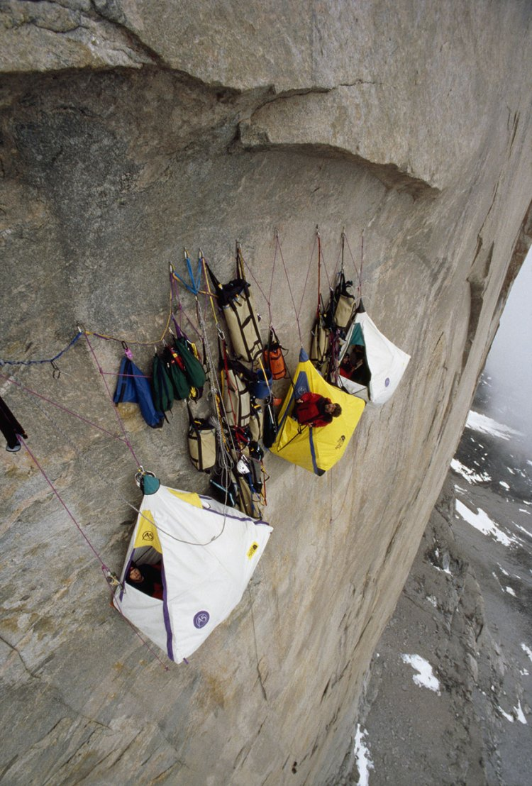 30-death-defying-photos-that-will-make-your-heart-skip-a-beat