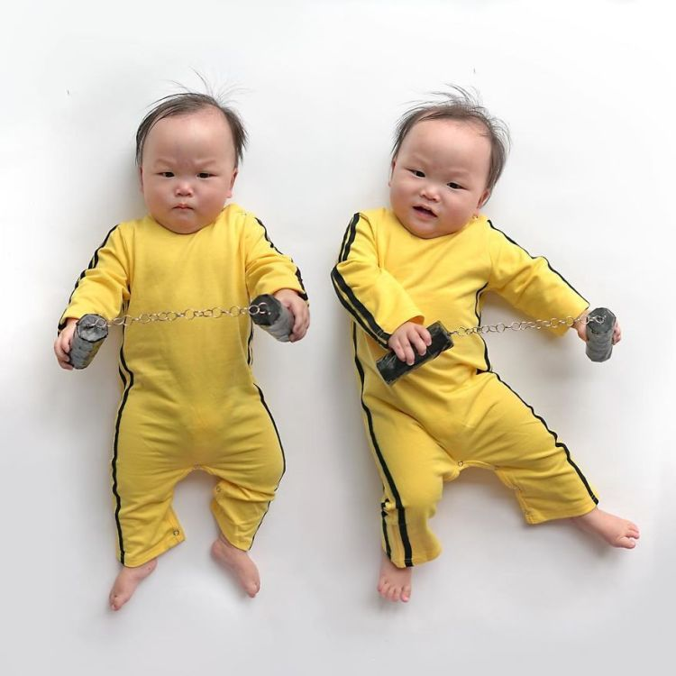 2-twins-in-yellow