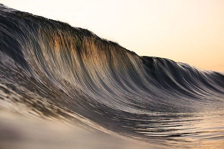 wave-photography-lloyd-meudell-12-5836b7fc4438b__700