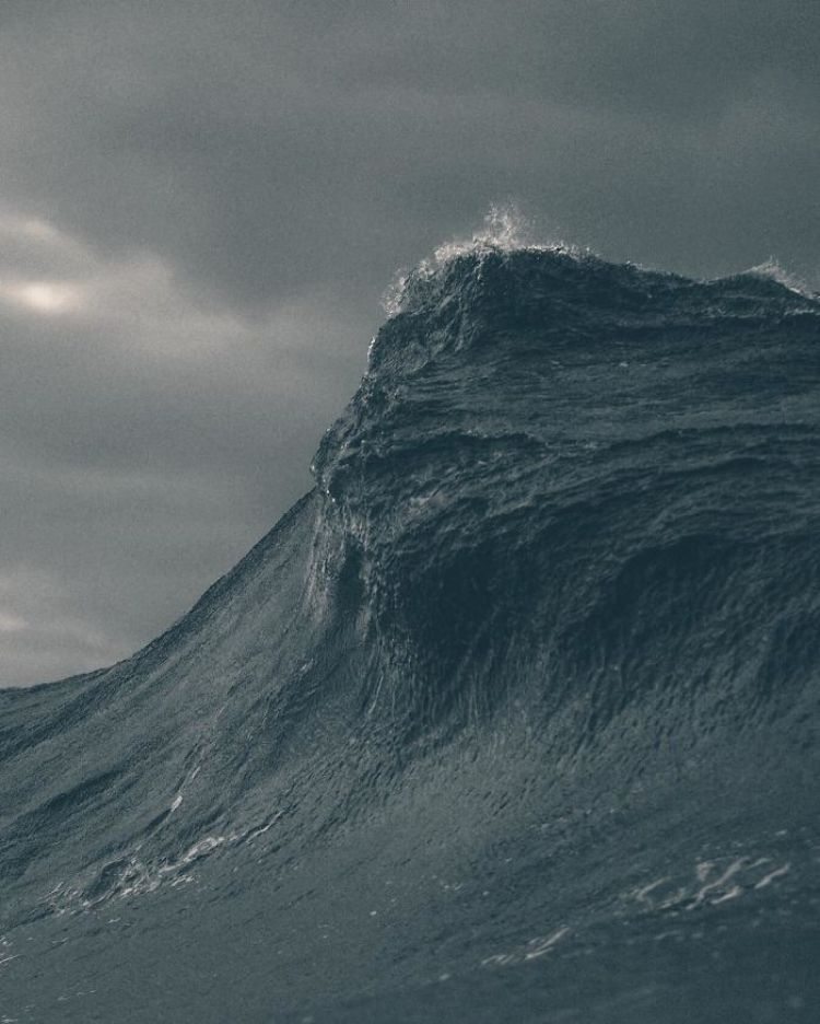 wave-photography-lloyd-meudell-2-5836b7e63932c__700
