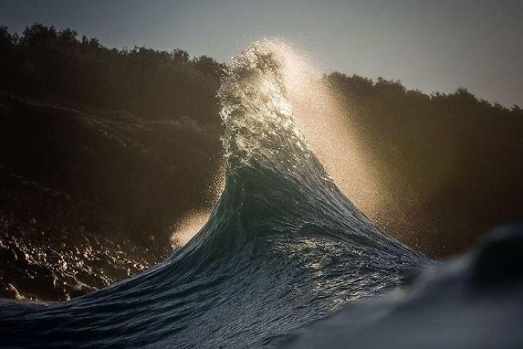 wave-photography-lloyd-meudell-7-5836b7f2c89dd__700