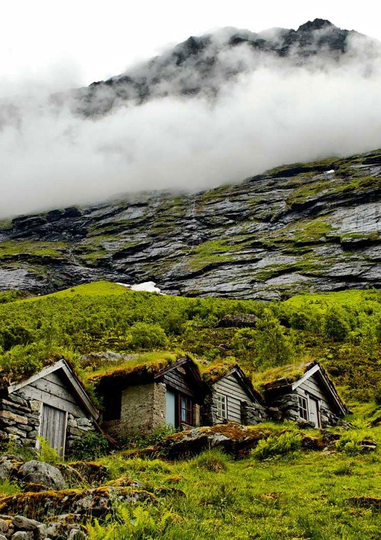 10-old-farmhouses