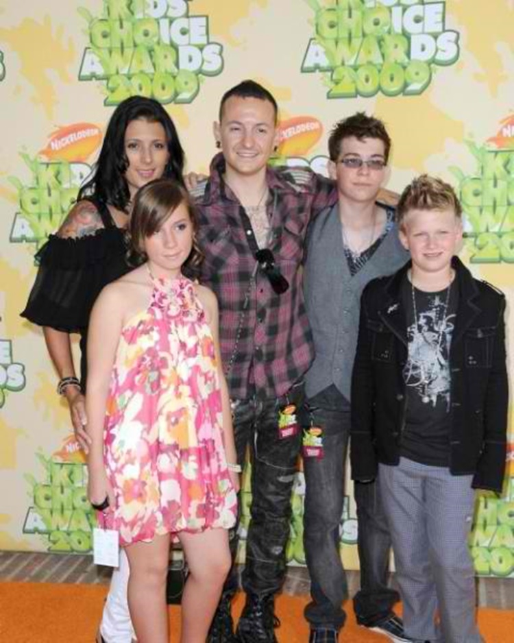 Chester Bennington and Family