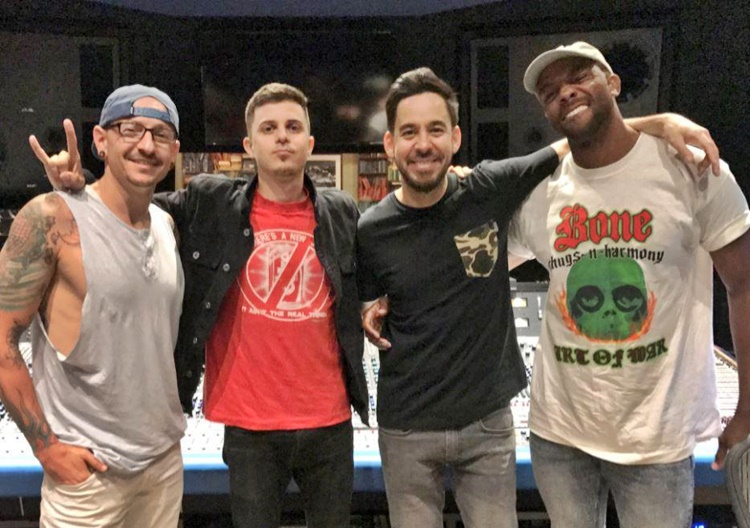 Chester Bennington with his bandmates and producer