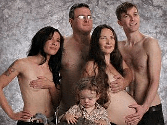 inappropriate family photos-200