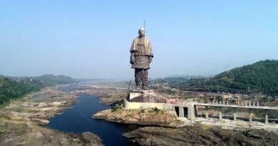 स्टैच्यू ऑफ़ यूनिटी : पीएम मोदी ने दुनिया के  सबसे ऊँची प्रतिमा का किया अनावरण ,आज से आम लोग देख सकेंगे,