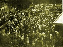 Celebração realizada na gruta de Tre Fontane