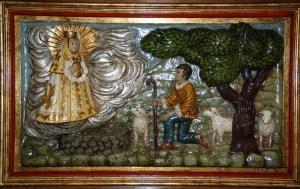 Bajo Relieve de la aparición de la Virgen