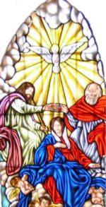 Vidriera de Santa María - Coronación de la Virgen María