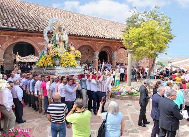 Salida de la Procesión de la Virgen del Collado en la Víspera de Pentecostés 2019