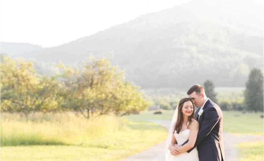 sundara wedding venue champagne inspired wedding photos