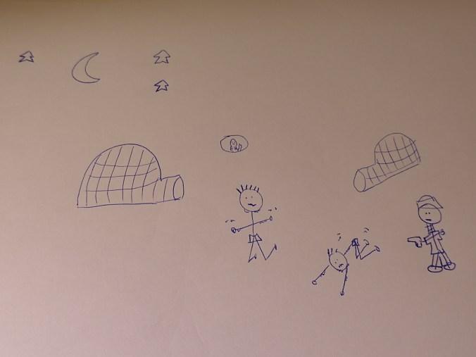 Dibujo con hombres palo: dos señores rezando mientras otro les apunta con una pistola, hay iglús, una foca y la luna en el cielo rodeada de estrellas.