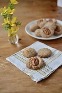 Small Bake Pecan Macaroons