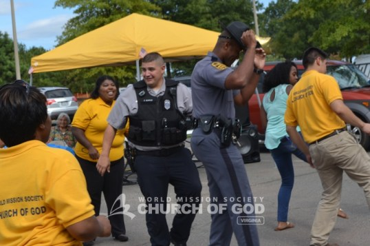 World Mission Society Church of God, wmscog, police officers, Fairfax County, VA, Virginia, Burke, DC, Police Department, East Coast Volunteer Service Day, volunteerism, appreciation, cookout, bbq, food, games, music, Chantilly, cops, law enforcement