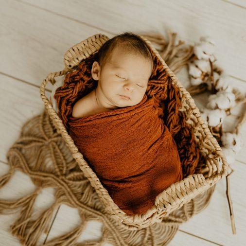 Séance naissance-Virginie M. Photos-studio photo-bébé-nouveau né-famille-photos famille-photographe Nord-photographe Lille-Lille-Hauts de France (15)