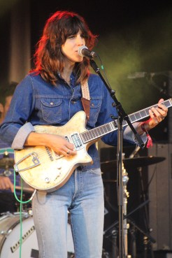 Eleanor Friedberger, with guitar