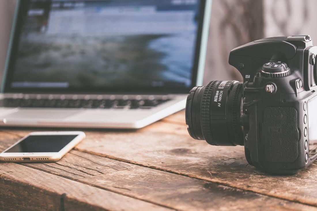 Video Editing su smartphone: notebook, reflex dslr, smartphone