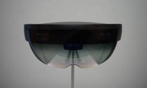 Очки Microsoft Hololens - вид спереди