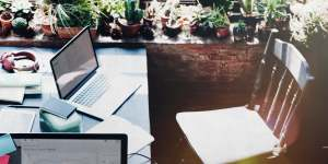 virtual assistant win love working from home