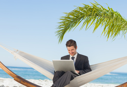 The Advantages and Disadvantages of Working Remotely or in a Brick and Mortar Work Environment