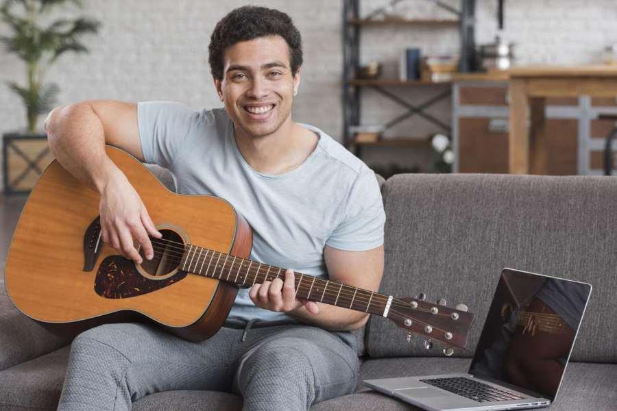 Curso de violão Método Tríade Completo - Heitor Castro é bom, vale a pena e funciona. Veja o por quê.
