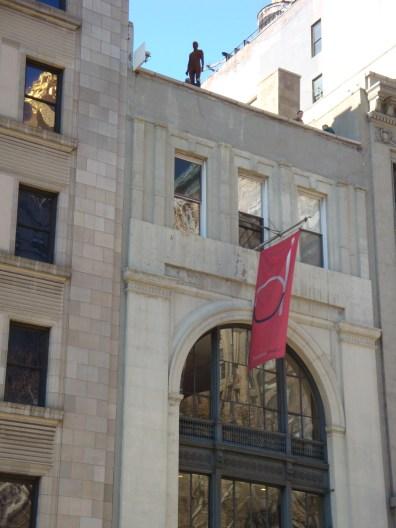 Antony Gormley Event Horizon Installation 204 Fifth Avenue (5)