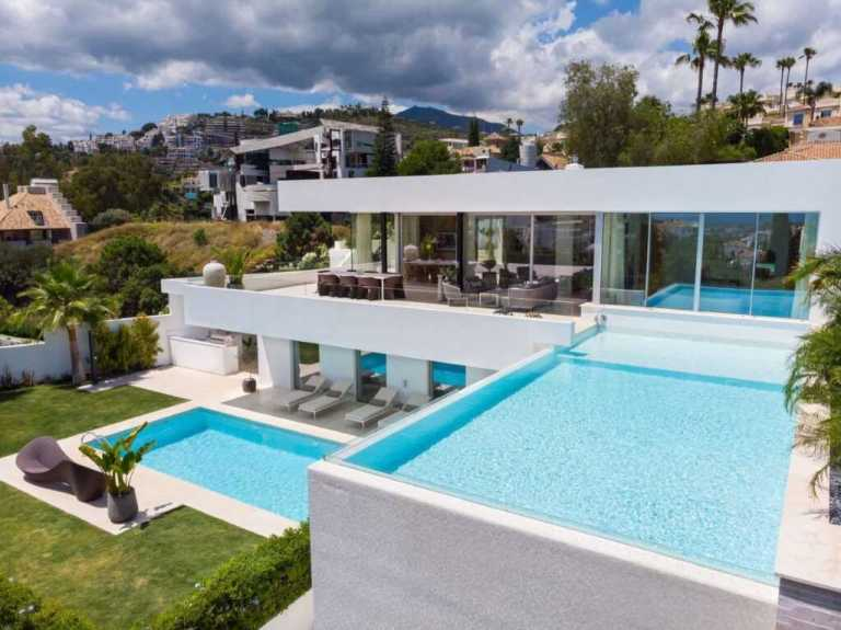 rnvrmjpc Large 1024x767 1 Virtualport3d luxury Properties in Marbella and Costa del Sol