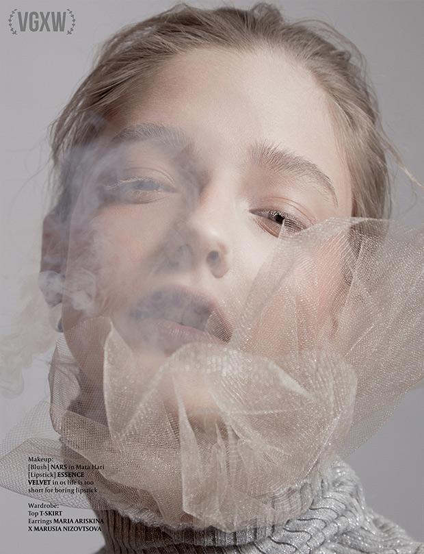 VGXW Magazine Style Editorial | Smoke and Snow by Ilona Veresk - Virtuogenix.Online