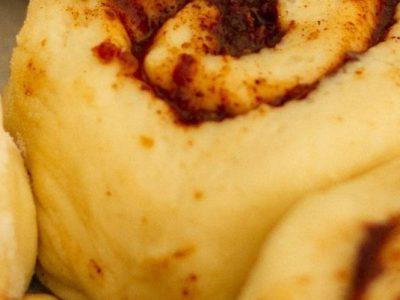 A simple recipe for delicious cinnamon buns 2