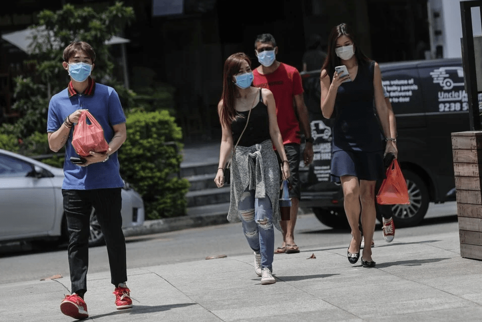 There had been hope that hotter weather, such as that in Singapore or northern hemisphere countries heading into summer, might reduce the spread of Covid-19. Photo: EPA-EFE