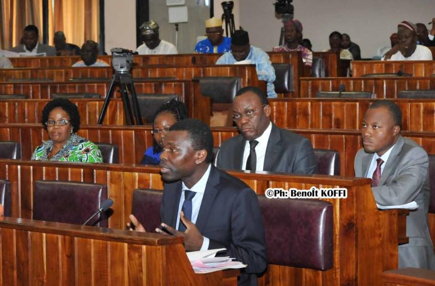 Assemblée nationale: L'examen du projet de loi portant statut du Barreau de la République du Bénin suspendu