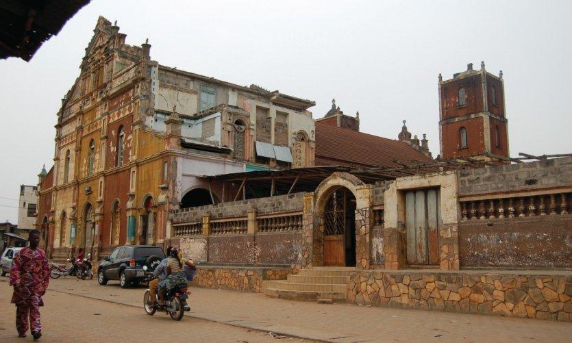 Porto-Novo, la ville capitale, une excellente analyse de Jérôme CARLOS