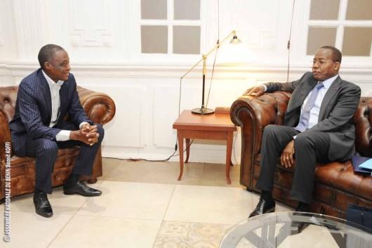 M. Aboubacar KOTO YERIMA Président duConseil National des Structures d'Appui aux Mutuelles Sociales et sa délégation reçus par le Président de l'Assemblée nationale