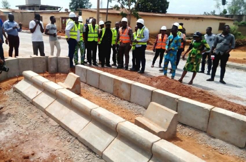 Gouvernance / Le préfet du Mono s'informe de la lenteur observée sur les chantiers d'asphaltage à Lokossa